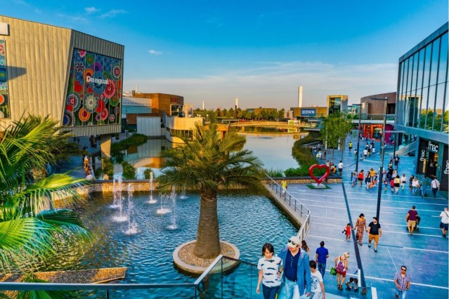 intu sells €475M Spanish mall in debt cutting rush.