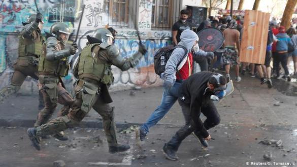 espana vendio material antidisturbios para reprimir protestas en chile y peru acusados de violaciones a los derechos humanos