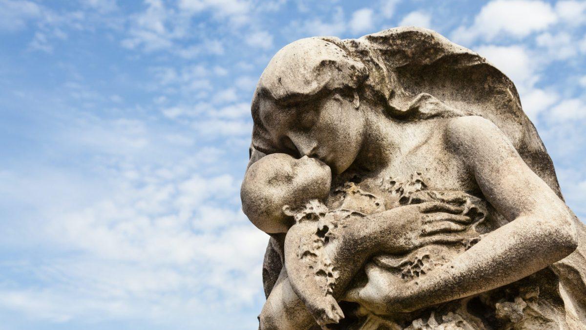 Morir antes de nacer: ¿cómo actuar ante una muerte que jamás se contempla?