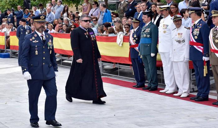 Sacerdotes en el Ejército