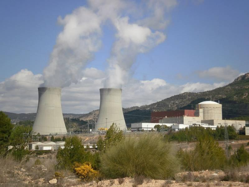 Central Nuclear de Cofrentes . Licencia Creative Commons Créditos DnTrotaMundos