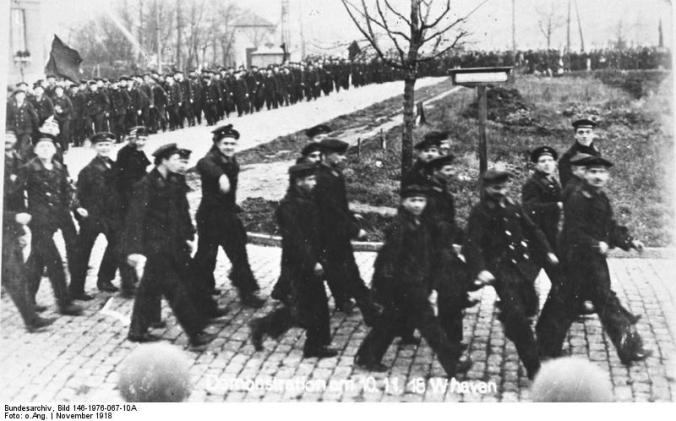 Matrosen in Wilhelmshaven, Demonstration am 10. November 1918