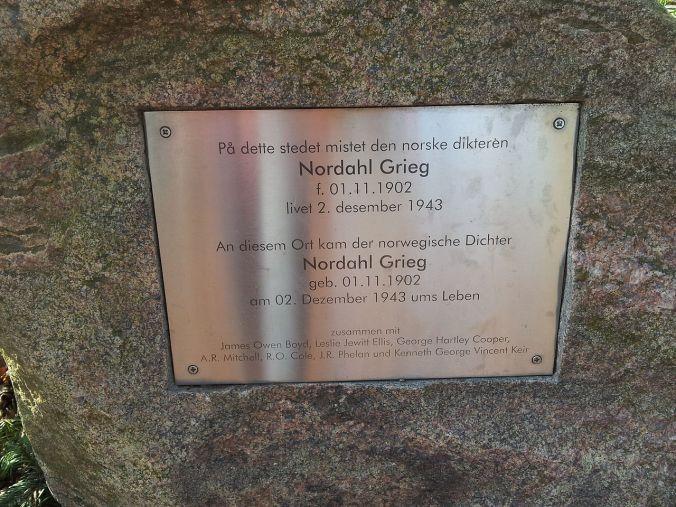 Mindesten for Nordahl Grieg i Kleinmachnow, Brandenburg, Tyskland, hvor hans fly styrtede ned 2. december 1943