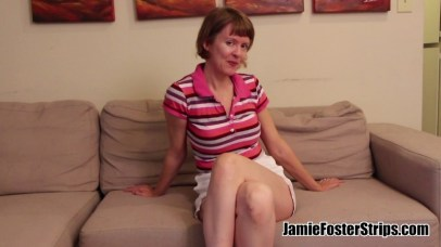 Jamie Foster Strips - Spankable Hot Mom - Golf MILF