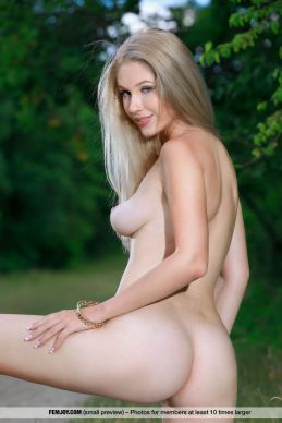 Xana D - Like an Angel - Femjoy - 11v