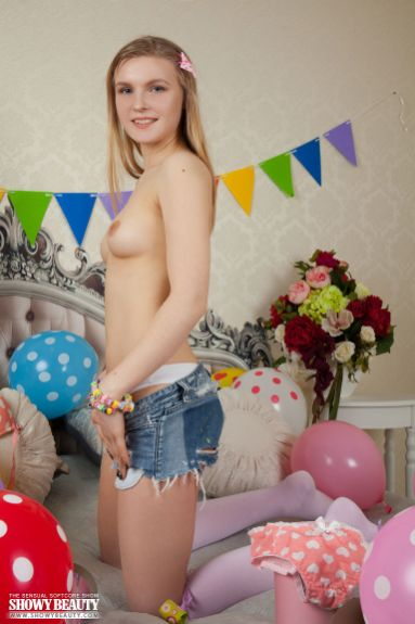 Fabi - Best Present - Showy Beauty - 03