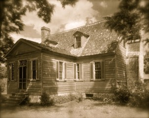 """""""Kirnan"""" -- the Bowie Plantation home as it looked in the 1930s"""