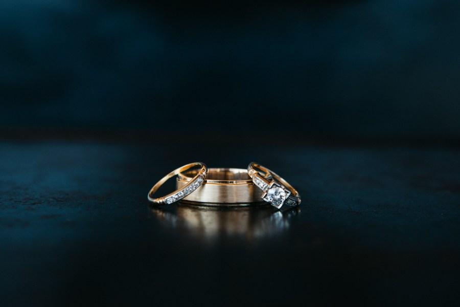 wedding ring photos seattle