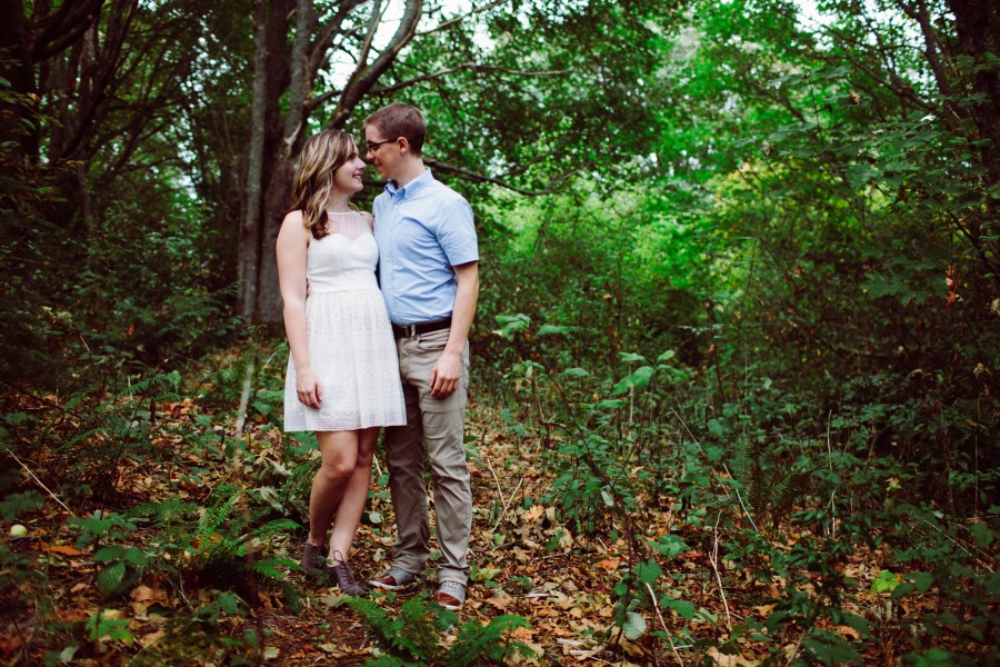 engagement photos at discovery park-024