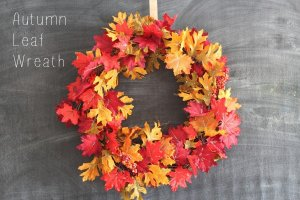 DIY Autumn Leaf Wreath from sparklelivingblog.com