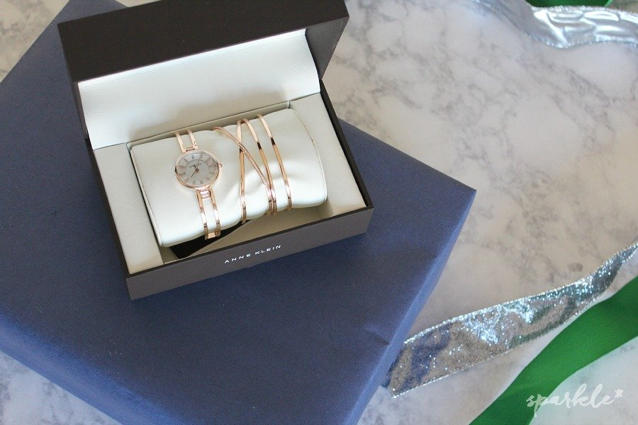 Classy and elegant Anne Klein watch and bracelet set from Dillard's. #stylemyholiday #collectivebias #ad