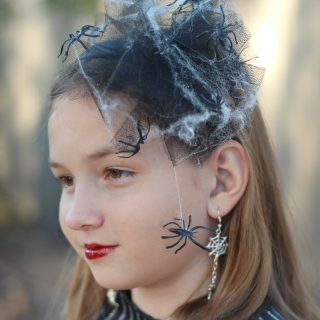 Create a spider web headband to wear when you're out creeping this Halloween!