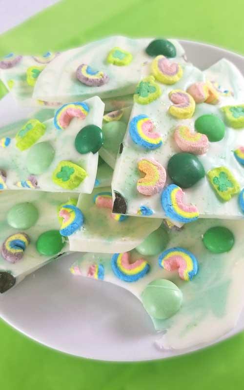 Lucky Charms Minty Rainbow Bark