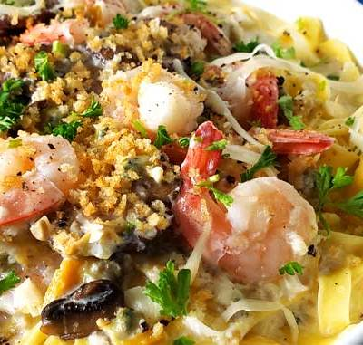 Seafood Alfredo Fettuccine – Italian Tutto Mare