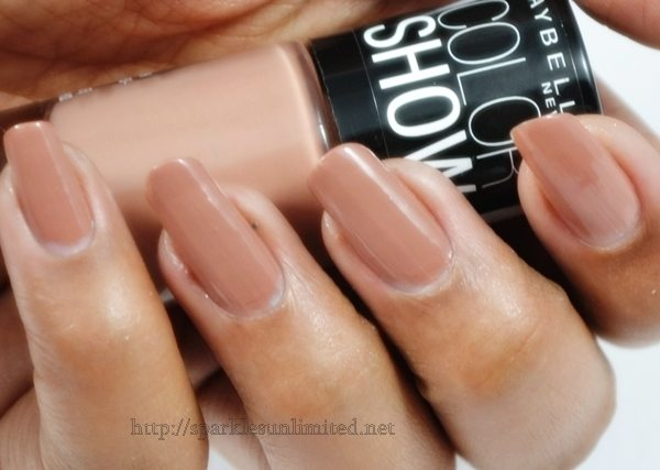 Maybelline Colour Show Nail Enamel 015 NUDE SKIN,Maybelline Colour Show Nail Enamel 015 NUDE SKIN Review,Maybelline Colour Show Nail Enamel 015 NUDE SKIN Swatches,Maybelline Colour Show Nail Enamel ,Maybelline Colour Show Nail Enamel Review,Maybelline Colour Show Nail Enamel Swatches, Maybelline, Maybelline India, Maybelline New York8