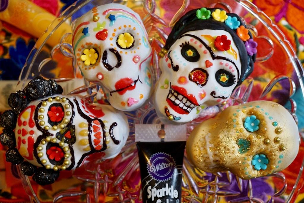 Dia de los Muertos Cake Decorating Party