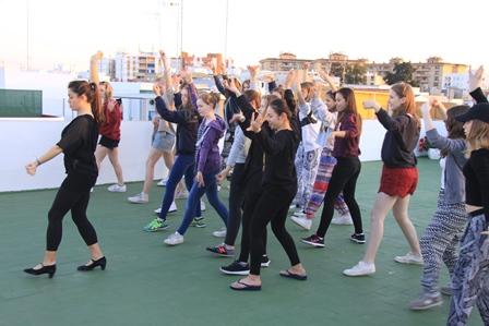 Bailando Sevillanos