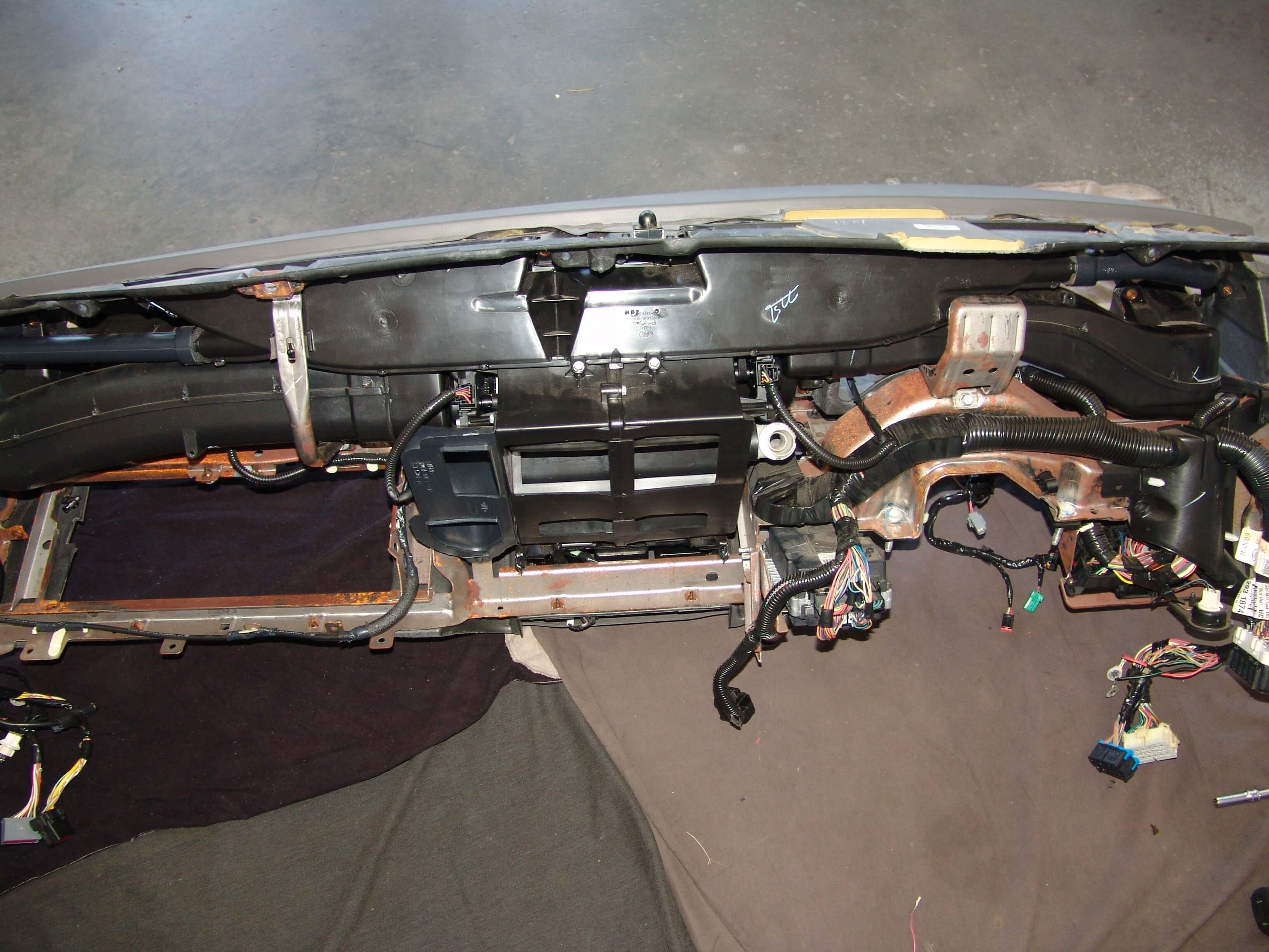 Sparky's Answers - 2007 Lincoln Town Car HVAC Actuator Replacement