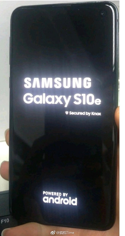 Samsung Galaxy S10 E Live Images