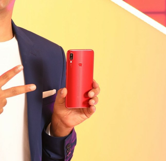 Redmi Note 7s Hands On