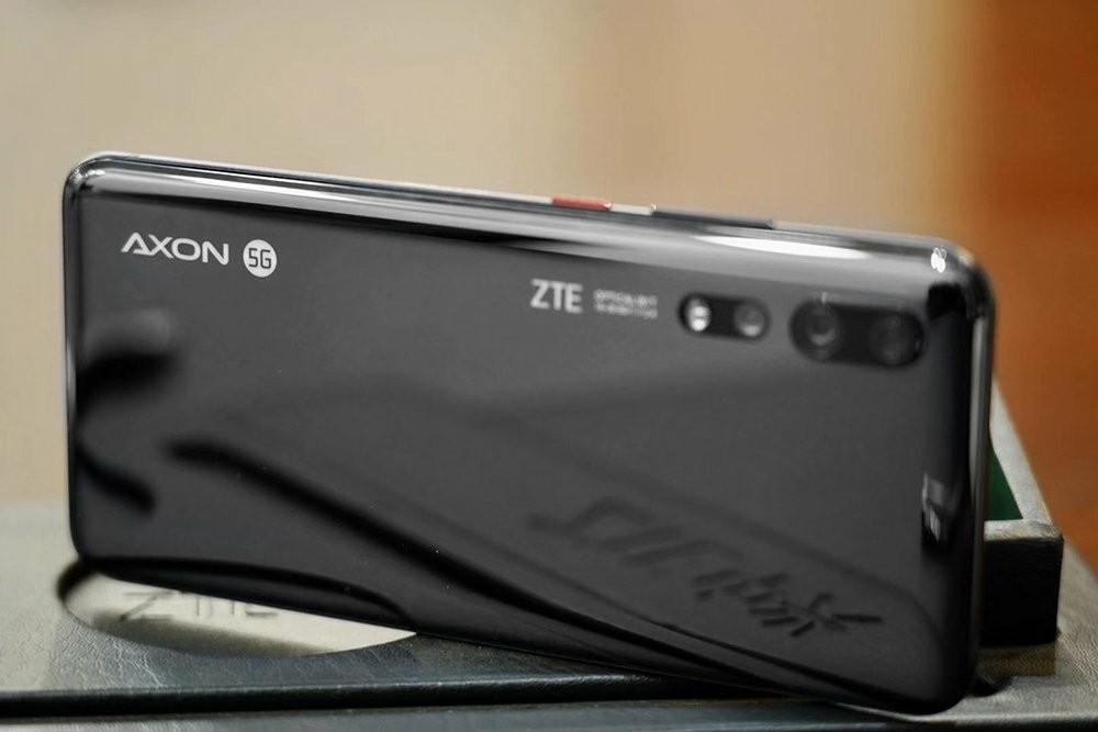 ZTE Axon 10s Pro apperance