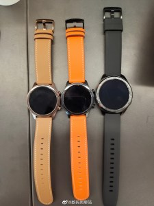New Vivo Watch live photos: round dial and steel body 1