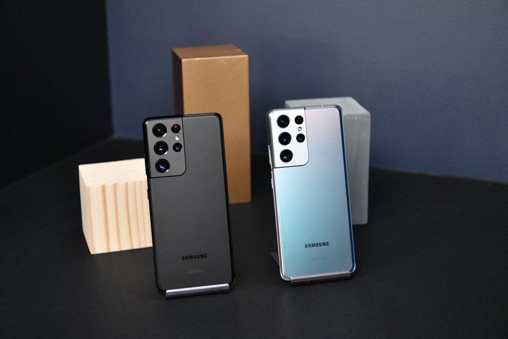 Samsung Galaxy S21 Ultra Hands-on Photos