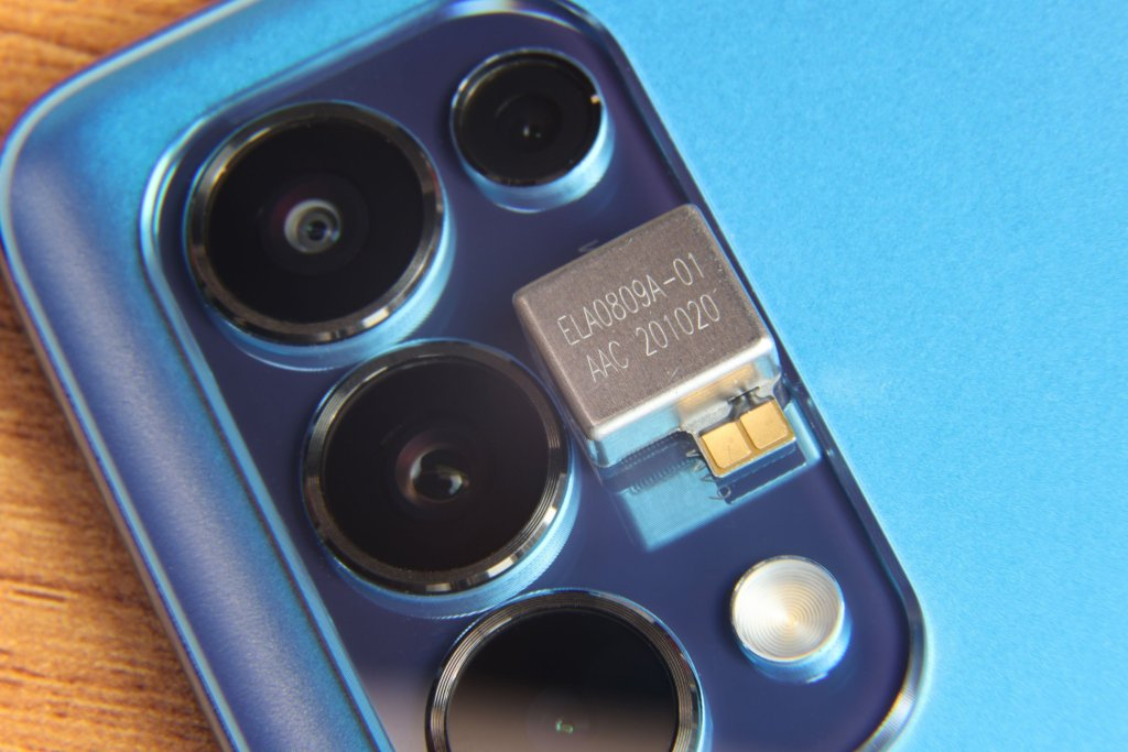 OPPO Reno6 Pro+ Live Photos Exposing Camera Close-Up While Core Specs Surfaces
