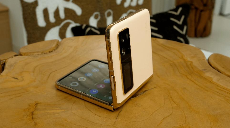 TCL Foldable Display Phone