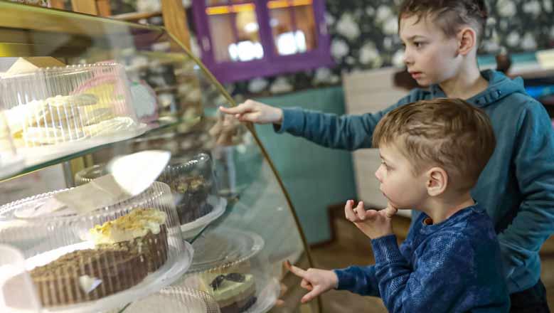 Spartan Showcase-Boys Selecting Cake