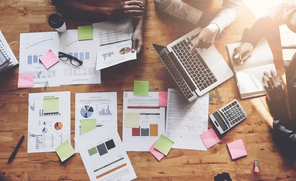 Informed sales team pricing for distributors