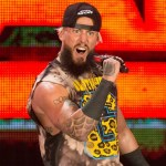 Enzo Amore veste i panni del rapper (Video)