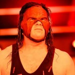 WWE: Kane si improvvisa cantante in un Live Event WWE
