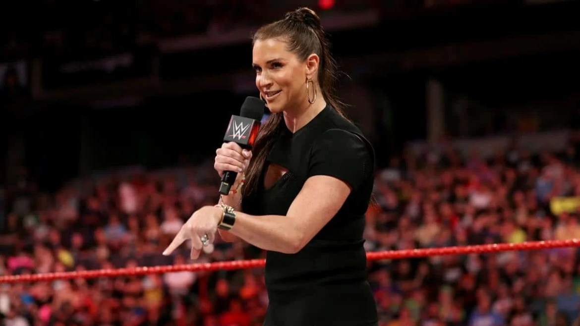 WWE: Bayley vs. Stephanie McMahon? Primi litigi tra le due
