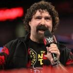 WWE: Mick Foley mostra il suo appoggio a Becky Lynch