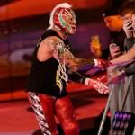 WWE: Rey Mysterio è apparso a sorpresa ad un live event di NXT (VIDEO)