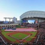 WWE: Perché la WWE sta utilizzando gli stadi di baseball per alcuni PPV?