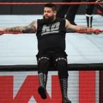 WWE: Quella volta che Becky Lynch diede un pugno a Kevin Owens (VIDEO)