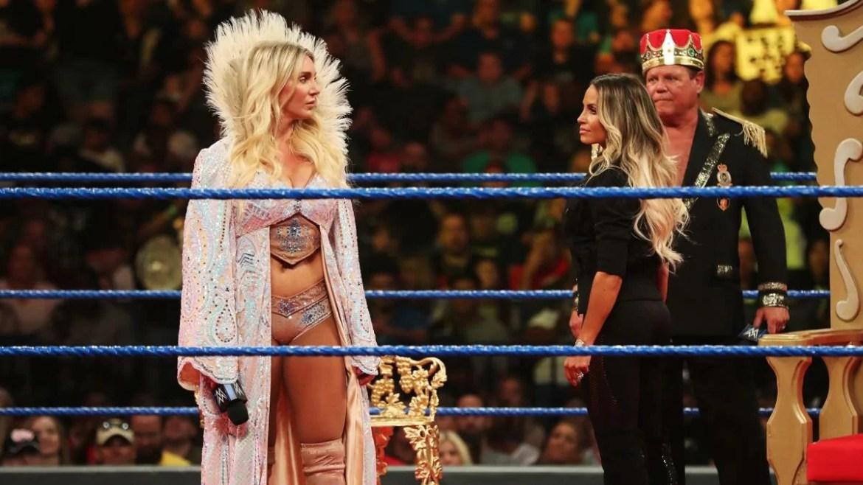 WWE: Charlotte Flair e Trish Stratus danno spettacolo su Twitter