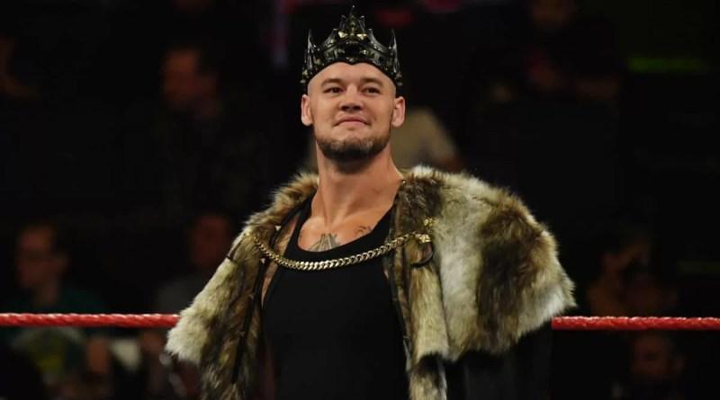 WWE: King Corbin parla della reazione della folla quando ha colpito Becky Lynch