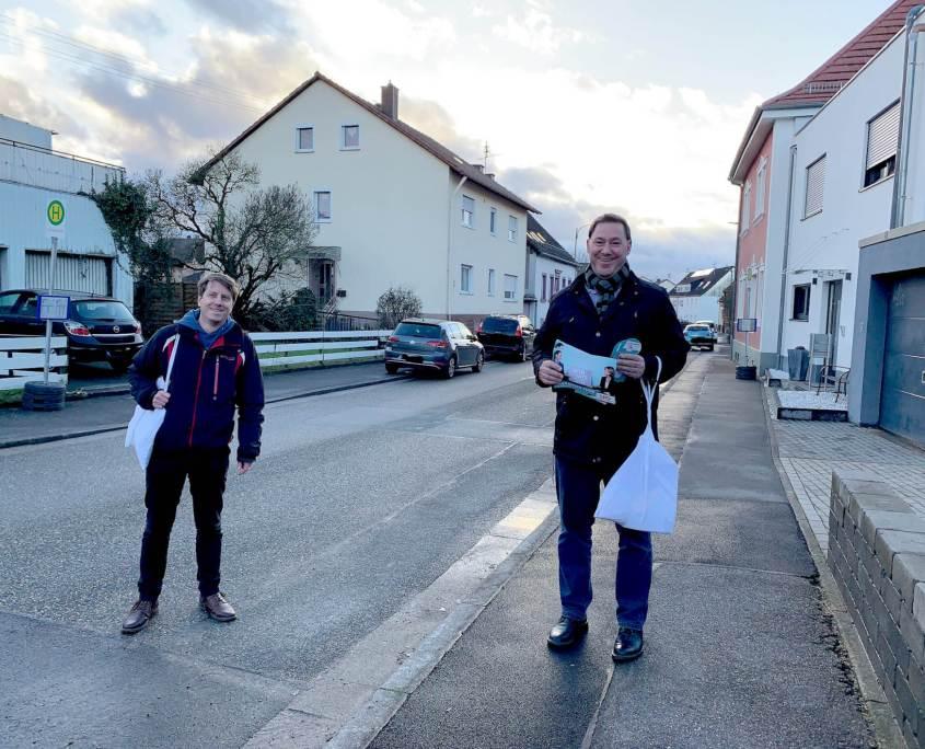 Alexander Fuhr vor Ort (mit Sebastian Tilly)