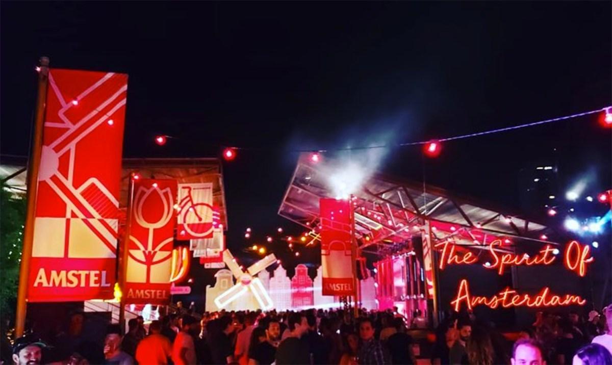 """Amstel District: Vila holandesa desembarca em praça de São Paulo para celebrar o """"Dia do Rei"""""""