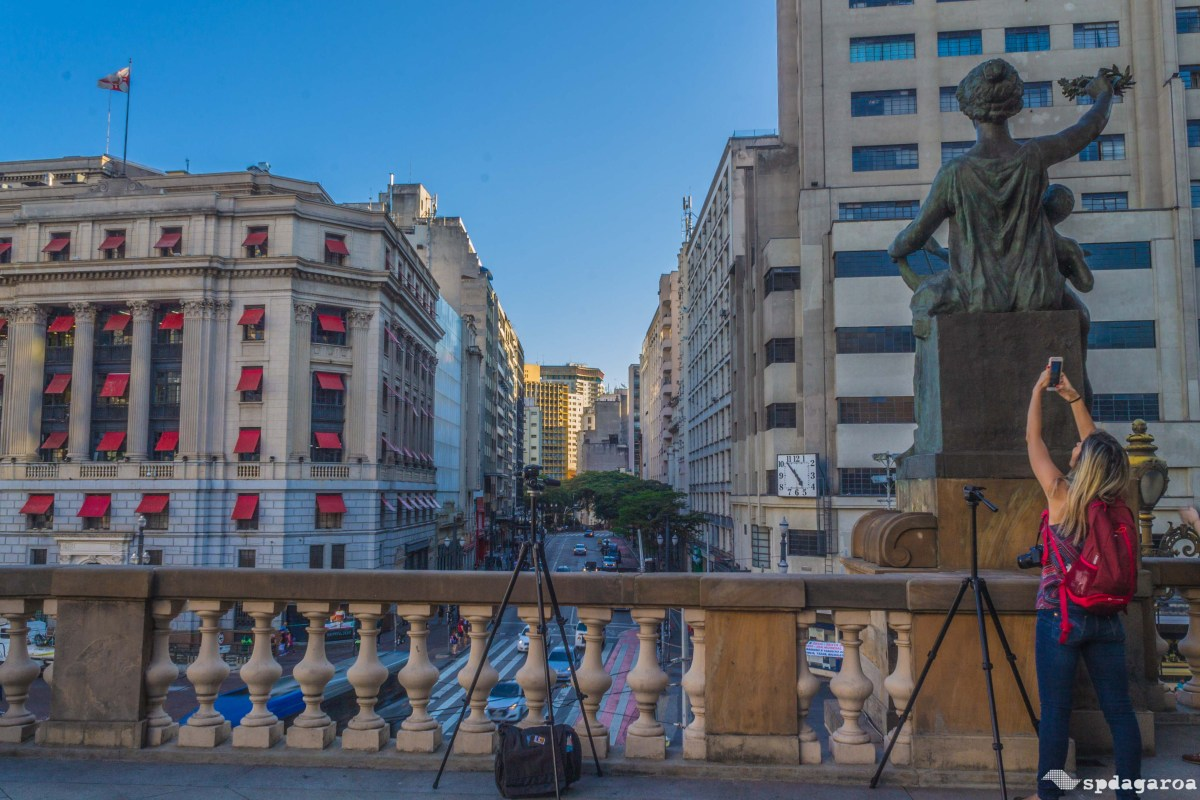 Walking Tour do Shopping Light inclui visita guiada no Theatro Municipal aos domingos