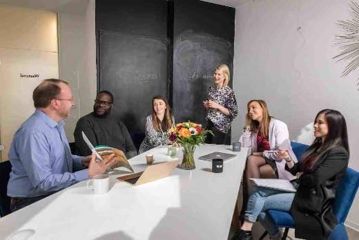 learn English in Frankfurt at Speakeasy Sprachschule