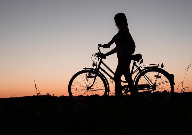 自転車を乗りながら焼きそばを食べられるようになった話
