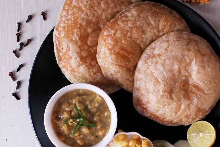 BEngali Breakfast Recipe Hinger Kochuri Cholar Dal