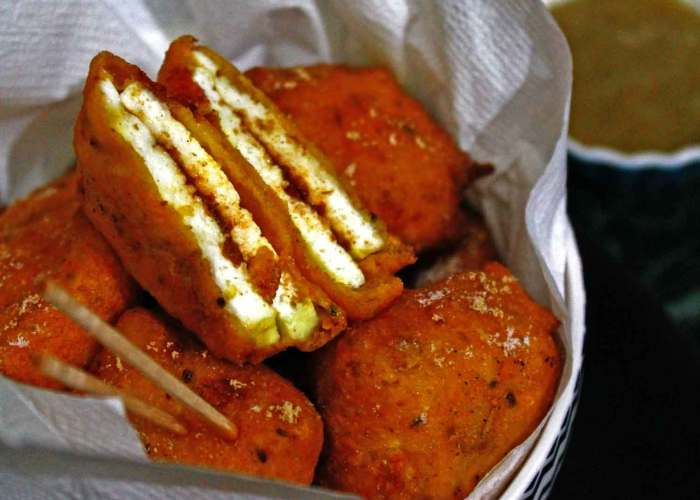 Spicy Paneer Pakoda Recipe for Snacks