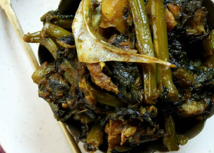 Macher matha diye Pui saag recipe