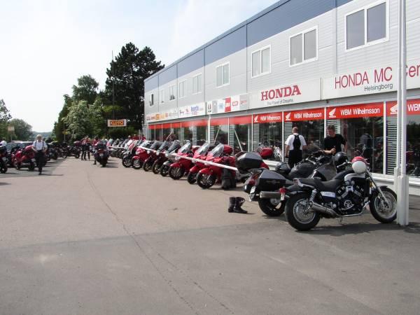Pannorna uppställda vid samlingspunkten - Honda MC Center i Fleninge/Helsingborg