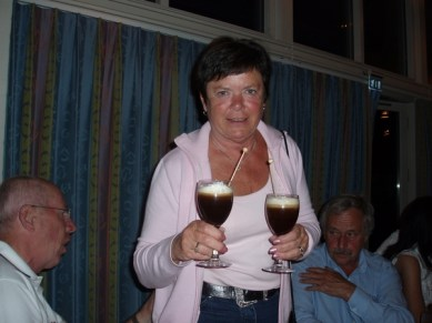 Marianne har fixat Irish Coffee.